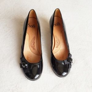 """Sofft 2"""" Heels Patent Leather with Little Bows"""